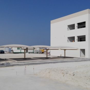Bahrain_Solar-Windbaustelle_02