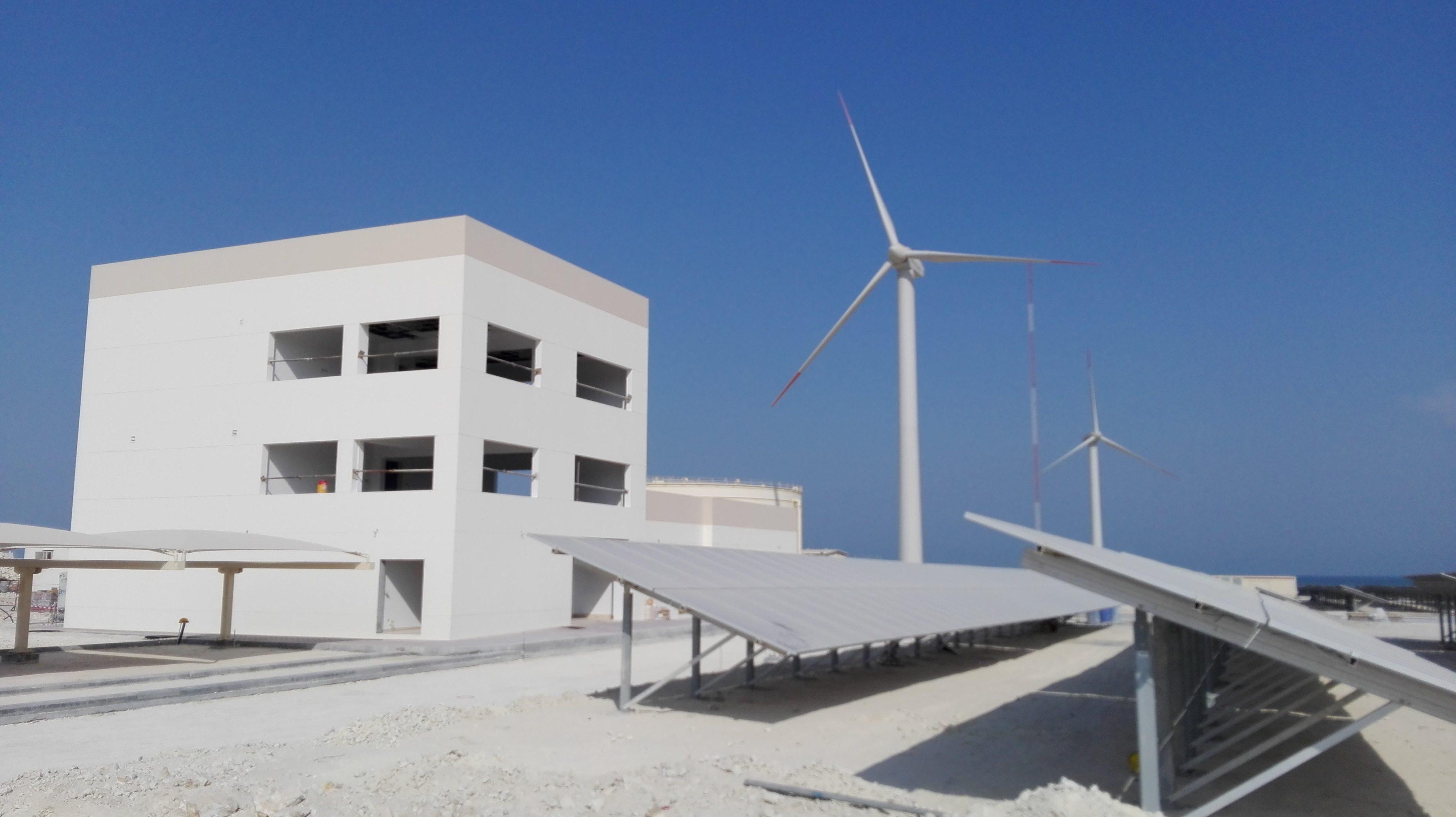 Bahrain_Solar-Windbaustelle_03